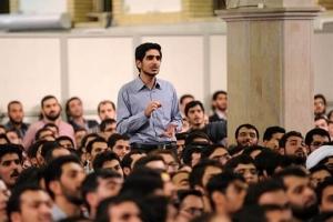 دیدار دانشجویان با خامنهای یک نمایش ضروری و یک اجبار برای تخلیه بیخطر نارضاییهای اجتماعی